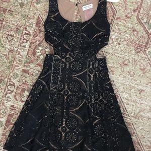 Bsb φόρεμα δαντέλα μαύρο