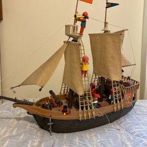 Μεγάλο πειρατικό καράβι playmobil