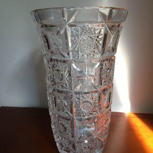 Κρυσταλλινο βαζο με σχεδια