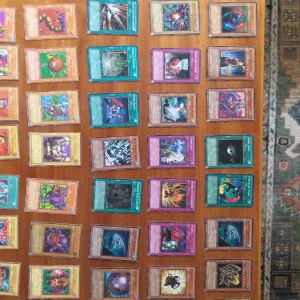 250 κάρτες yu gi oh