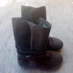 Μπότες νούμερο 26