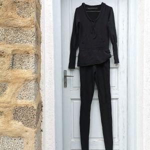 Γυναικεία ολόσωμη φόρμα μαύρη