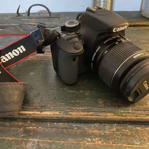 ΦΩτογραφική μηχανή Dslr Canon 600D