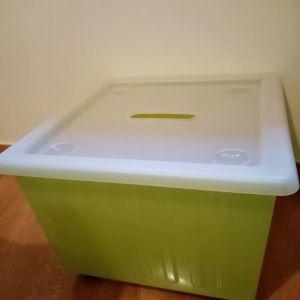 Ikea κουτί με ροδάκια
