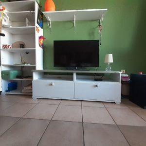 Τραπεζάκι Τηλεόρασης με 2 Συρτάρια