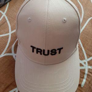 trust καπέλο