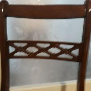 Δύο καρέκλες αντικα