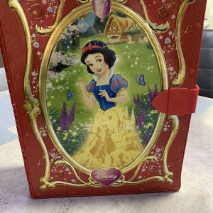 Disney princess Χιονάτη βιβλίο σπιτακι για κουκλες