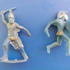 2 στρατιωτακια