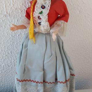 Μεγαλη Κούκλα με παραδοσιακή ελληνική φορεσιά,δεκαετια 60, 35 cm υψος