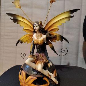 Νεράιδα αγαλματίδιο - κηροπήγιο