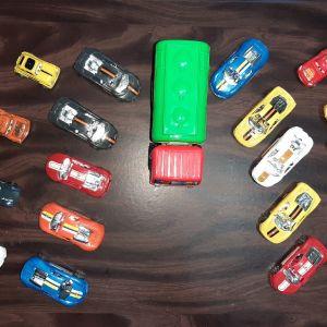 18 Αυτοκινητάκια + 1 Μεγάλο