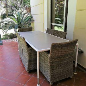 Μεγάλο τραπέζι εξωτερικού χώρου εξαιρετικής ποιότητας