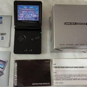 Nintendo Gameboy advance SP ΣΤΟ ΚΟΥΤΙ ΤΟΥ, κομπλε, αριστη κατασταση, για συλλεκτη