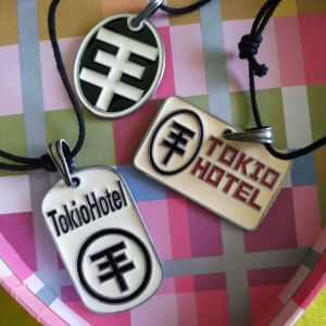 Μενταγιόν Tokio Hotel