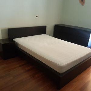 Κρεβάτι με στρώμα, κομοδίνο και  συρταριερες ( 2 τμχ)