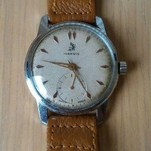 Ανδρικό ρολόι  IVANOIS, SWISS MADE μηχανικό( με κουρδιστήρι). Δεκαετίας'50, με μηχανή 1130 και βιδωτό καπάκι. Καινούριο δερμάτινο λουράκι. Άριστη λειτουργία