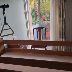 ηλεκτροκίνητο νοσοκομειακό κρεβάτι