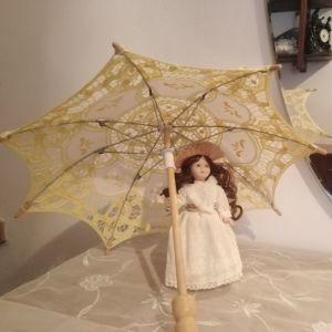 Vintage Μινιατούρα Κοπέλα με Ομπρέλα