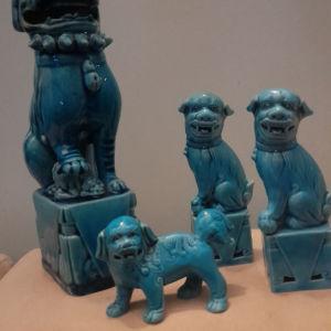 παλιά 4 άγαλμά σκυλάκια