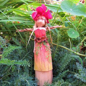 Κούκλα χειροποίητη με φυσικά υλικά από φύλλα μπανάνας corn dolly