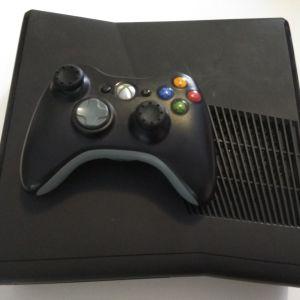 Xbox 360 σε αριστη κατασταση + kinect + extras + games