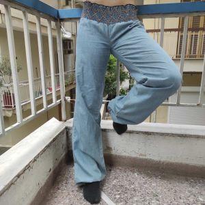 υφασμάτινη παντελόνα με χρωματιστή λεπτομέρεια