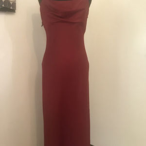 καλής ποιότητας σατέν κόκκινο φόρεμα