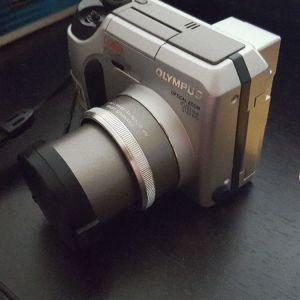 φωτογραφική μηχανή OLYMPUS C700 ULTRA ZOOM χρήζει επισκευής