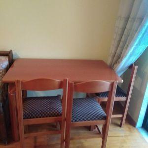 Τραπέζι με 4 καρέκλες
