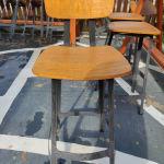 Σκαμπό βιομηχανική βάση σίδερο ξύλινο κάθισμα πλάτη