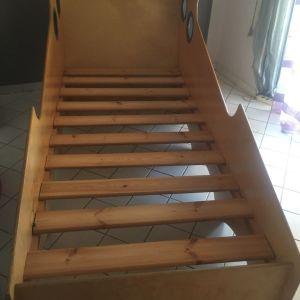 Έπιπλα Κρεβατοκάμαρας Κρεβάτια