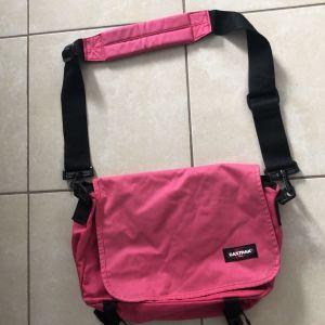 Τσάντα ώμου Eastpak