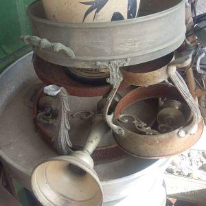Βάζο μεταλλικό  βραστήρας ρωσικός με βρυσακι  κλπ μικρό αντικείμενα παλιά