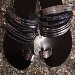 Δερμάτινα σανδαλια ολοκαινουργια 40