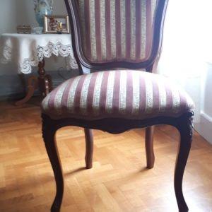 Καρέκλες από μασιφ καρυδιά
