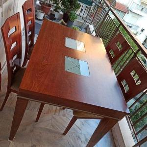 τραπεζαρία με προέκταση και 4 καρέκλες