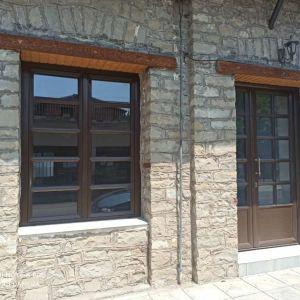 ΚΑΤΑΣΤΗΜΑ 45τμ ΠΑΠΑΔΑΤΕΣ ΜΑΚΡΥΝΕΙΑΣ (αριστερή πλευρά του κτιρίου)