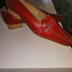 Γυναικεία παπούτσια 41 νούμερο. Δέρμα.