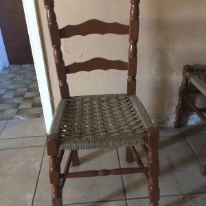 Ξύλινες καρέκλες