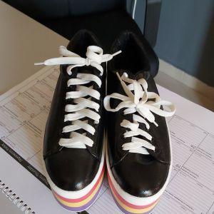 Sneakers μαύρα , δίπατα Νο39