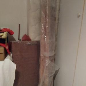 Κρεβάτι μονό ξύλινο με το στρώμα του κ δώρο κουρτίνα