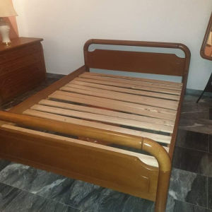 Κρεβάτι διπλό Δύο Κομοδίνα Συρταριερα Καθρέφτης και σκαμπω