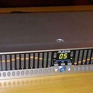 Alesis Deq230 Ψηφιακο Εκουαλαιζερ