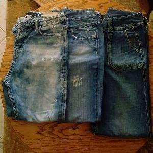 Πωλουνται diesel  jeans σε διαφορα σχεδια