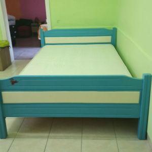 Κρεβάτι με ανατομικό στρώμα