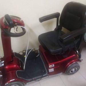 Ηλεκτρικό αναπηρικό αμαξίδιο