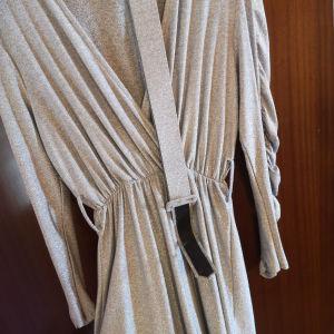 φόρεμα κοντό με ζώνη αφόρετο