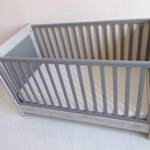 κρεβάτι βρεφικό-παιδικό χωρίς στρώμα