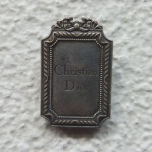 Συνδετήρας χαρτιών, οίκου μόδας Christian Dior